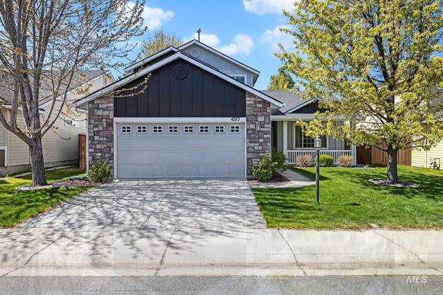 4377 S Trails End Way, Boise, ID 83716 (MLS #98800518) :: New View Team