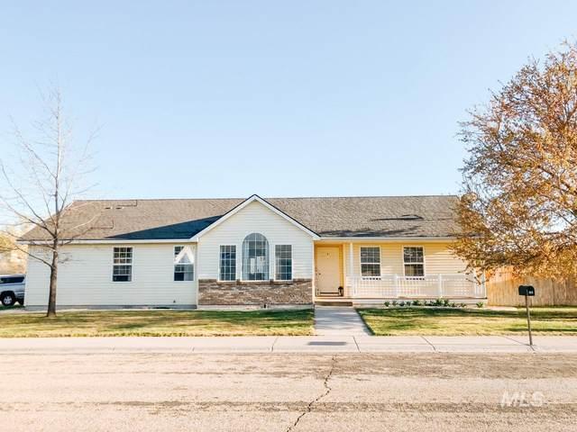 1103 NW Kloe Street, Mountain Home, ID 83647 (MLS #98800528) :: Minegar Gamble Premier Real Estate Services