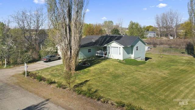 2299 Haw Creek Blvd, Emmett, ID 83617 (MLS #98800541) :: First Service Group
