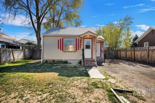 330 Ash Street, Twin Falls, ID 83301 (MLS #98800754) :: Jon Gosche Real Estate, LLC