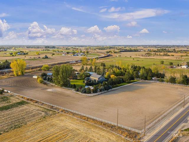 3201 N Black Cat Rd, Kuna, ID 83634 (MLS #98800851) :: Juniper Realty Group
