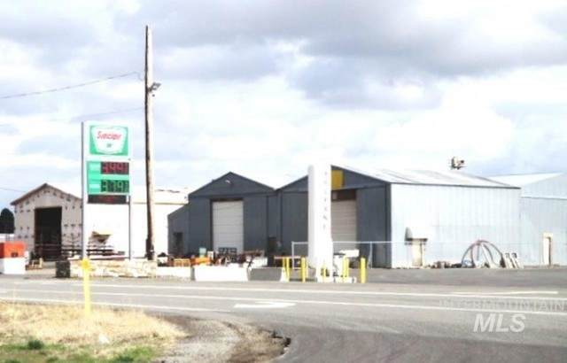 410 Hwy 30 W, Hansen, ID 83334 (MLS #98800938) :: Idaho Real Estate Advisors