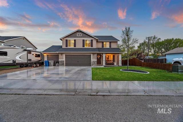 1225 E 15th N, Mountain Home, ID 83647 (MLS #98801563) :: Michael Ryan Real Estate