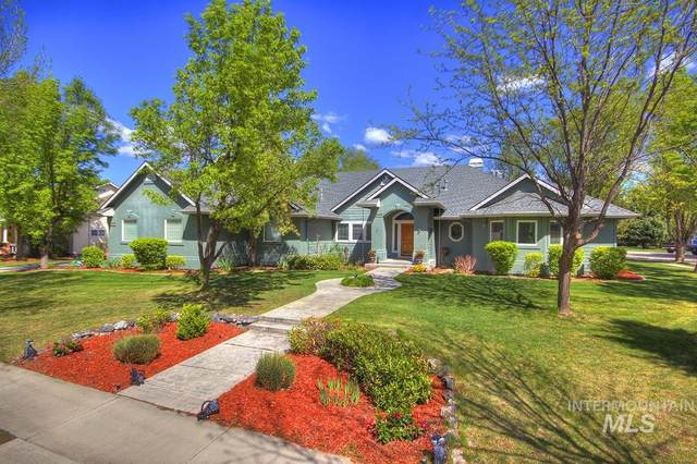 1674 N Snead Pl, Eagle, ID 83616 (MLS #98801649) :: City of Trees Real Estate