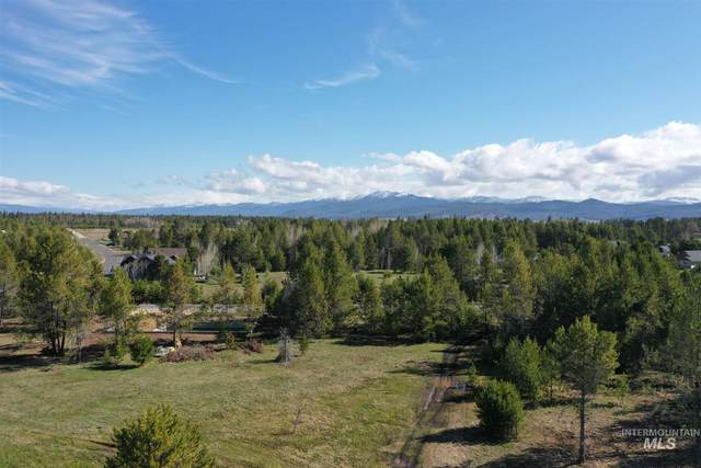 27 Grand Fir, Donnelly, ID 83615 (MLS #98801732) :: Bafundi Real Estate