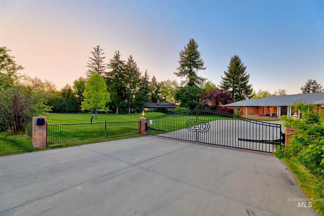 3200 N Mountain View, Boise, ID 83704 (MLS #98801878) :: First Service Group