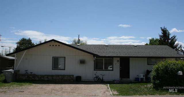 2416 SW Alder St, Caldwell, ID 83605 (MLS #98801935) :: City of Trees Real Estate