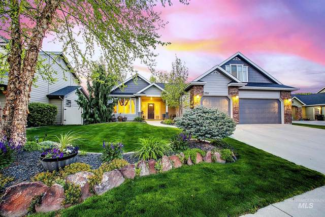 370 E Halpin, Meridian, ID 83642 (MLS #98802139) :: Build Idaho