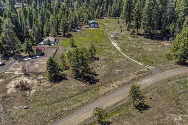 15 Royal Ln, Donnelly, ID 83615 (MLS #98802166) :: Trailhead Realty Group
