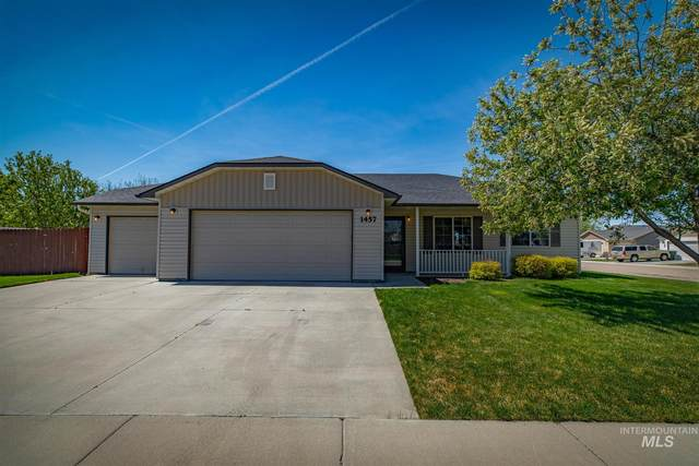 1457 S Woodmaste, Kuna, ID 83634 (MLS #98802186) :: Minegar Gamble Premier Real Estate Services