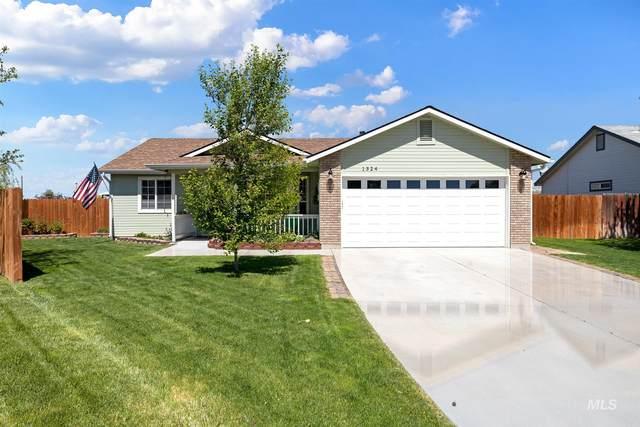1324 W Ash Pl, Kuna, ID 83634 (MLS #98802242) :: Jon Gosche Real Estate, LLC