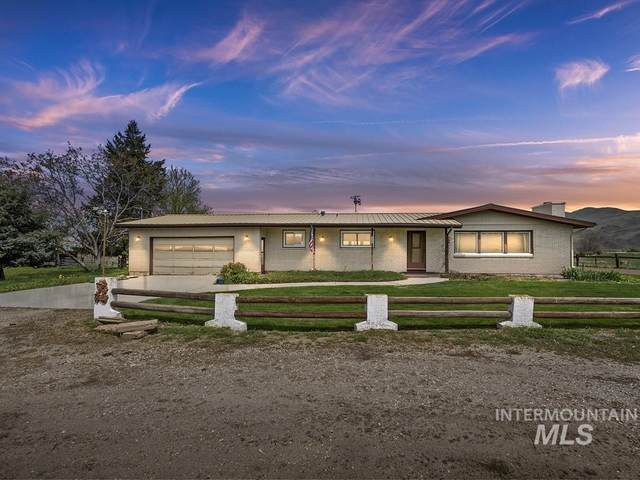 9880 Montour Main St, Emmett, ID 83616 (MLS #98802288) :: Full Sail Real Estate