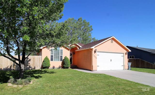 1330 SW Kursten, Mountain Home, ID 83647 (MLS #98802361) :: City of Trees Real Estate