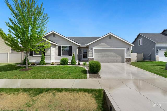 2118 W Gainsboro, Kuna, ID 83634 (MLS #98802444) :: Minegar Gamble Premier Real Estate Services