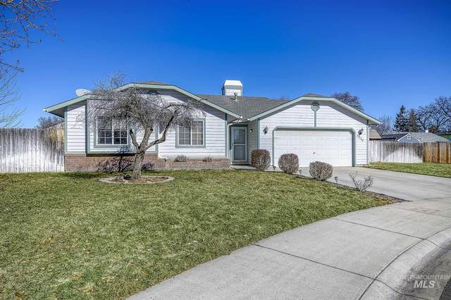 2936 W Stephanie Ct, Meridian, ID 83642 (MLS #98802526) :: First Service Group