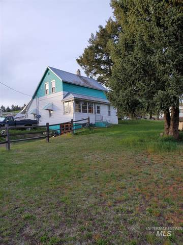 302 N Michael Drive, Troy, ID 83871 (MLS #98802528) :: City of Trees Real Estate