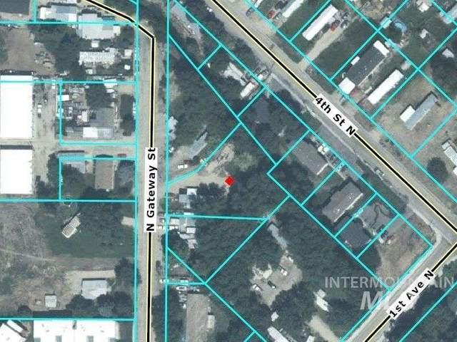 348 N Gateway St, Nampa, ID 83687 (MLS #98802634) :: Full Sail Real Estate