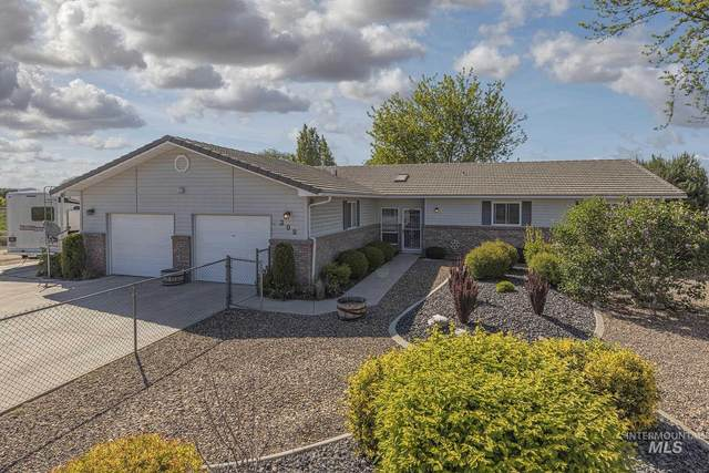 309 NW 9th, Fruitland, ID 83619 (MLS #98802749) :: Minegar Gamble Premier Real Estate Services