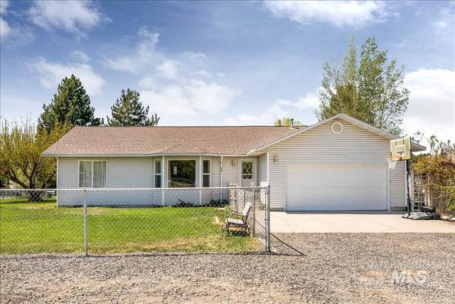 430 N Lewiston, Wendell, ID 83355 (MLS #98802753) :: Jon Gosche Real Estate, LLC