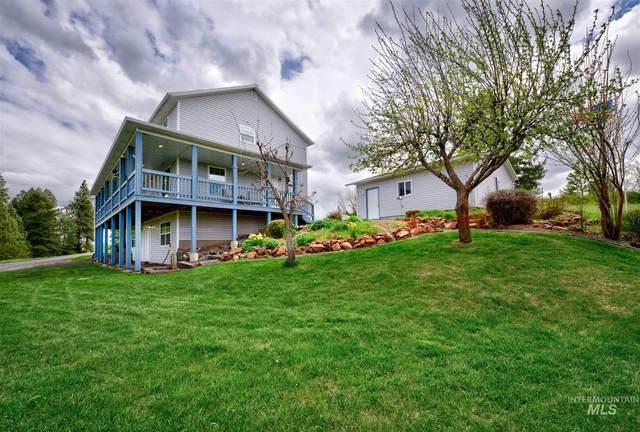 1845 Little Bear Ridge, Troy, ID 83871 (MLS #98802795) :: The Bean Team