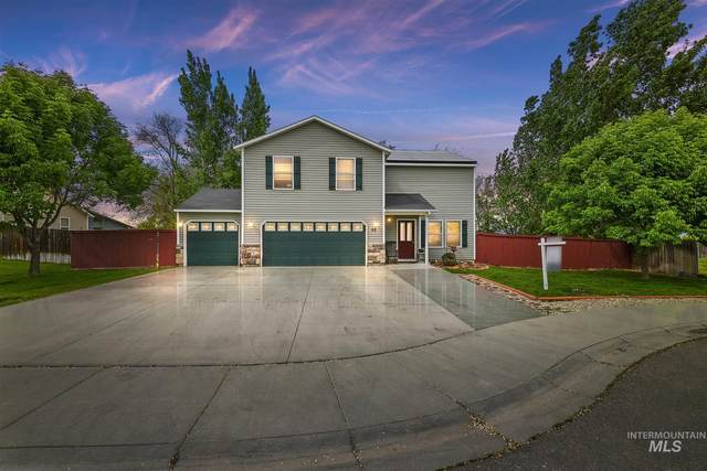 82 W Playground St, Kuna, ID 83634 (MLS #98802874) :: Story Real Estate