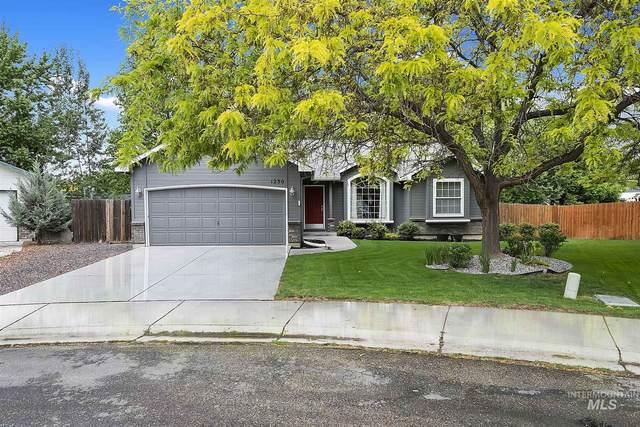 1230 E Sothesby St., Meridian, ID 83642 (MLS #98802929) :: New View Team