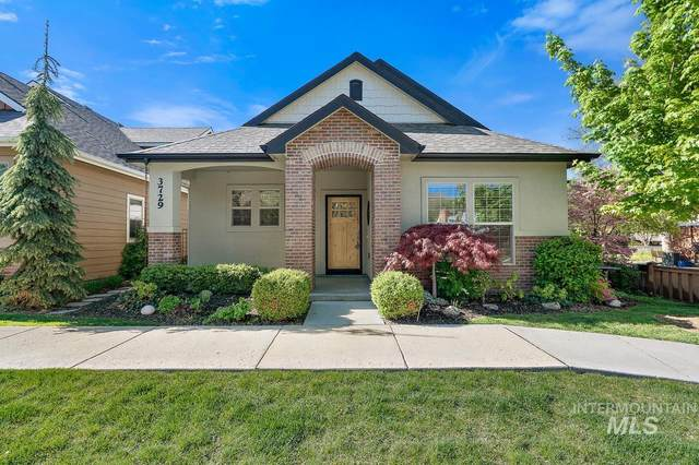 3729 W Catalpa, Boise, ID 83703 (MLS #98803118) :: Build Idaho