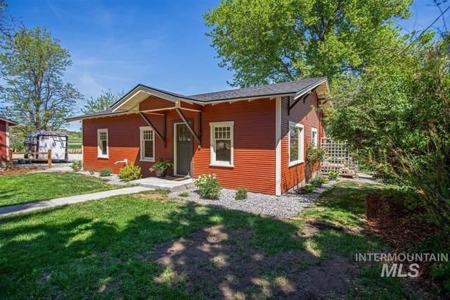 10444 Bill Burns Rd, Emmett, ID 83617 (MLS #98803176) :: Jon Gosche Real Estate, LLC