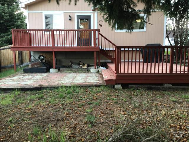 305 N Van Wyck, Cascade, ID 83611 (MLS #98803317) :: Jon Gosche Real Estate, LLC