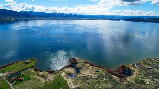 Henry's Lake Drive, Island Park, ID 83706 (MLS #98803609) :: Boise Home Pros
