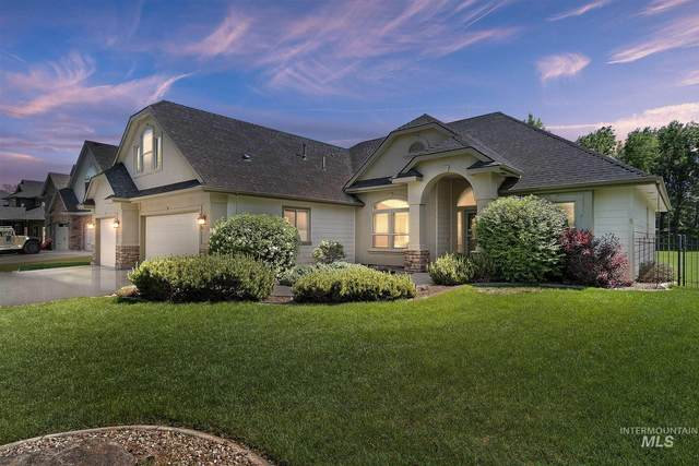 1500 S Island Glenn, Eagle, ID 83616 (MLS #98803703) :: Story Real Estate