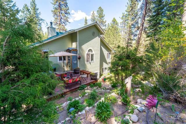 197 Scriver Woods Rd, Garden Valley, ID 83622 (MLS #98803810) :: Build Idaho