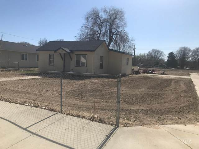 1302 Albany, Caldwell, ID 83605 (MLS #98805040) :: Hessing Group Real Estate