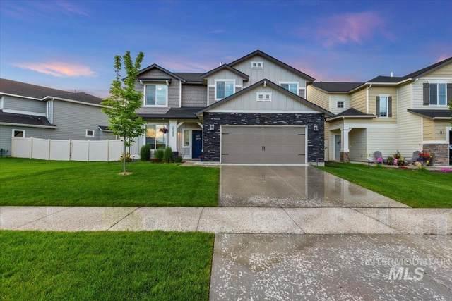 2580 E Blackstone Dr, Eagle, ID 83616 (MLS #98805126) :: Build Idaho