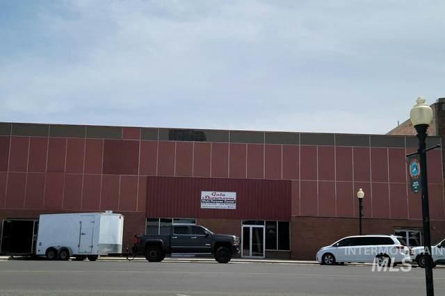 907 Main St, Buhl, ID 83316 (MLS #98805396) :: Build Idaho