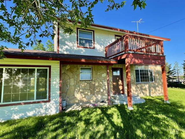 5441 NE Rancho Way, Mountain Home, ID 83647 (MLS #98805809) :: The Bean Team