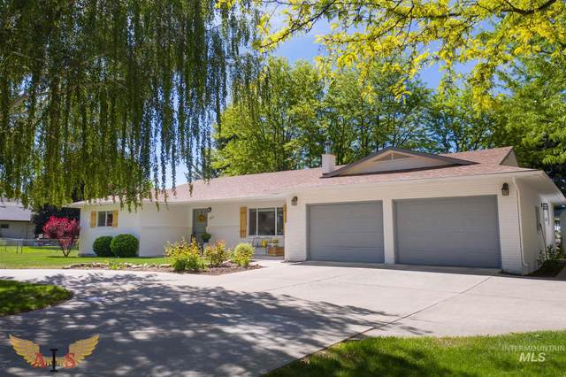 727 E 9th Avenue, Gooding, ID 83330 (MLS #98806129) :: Team One Group Real Estate