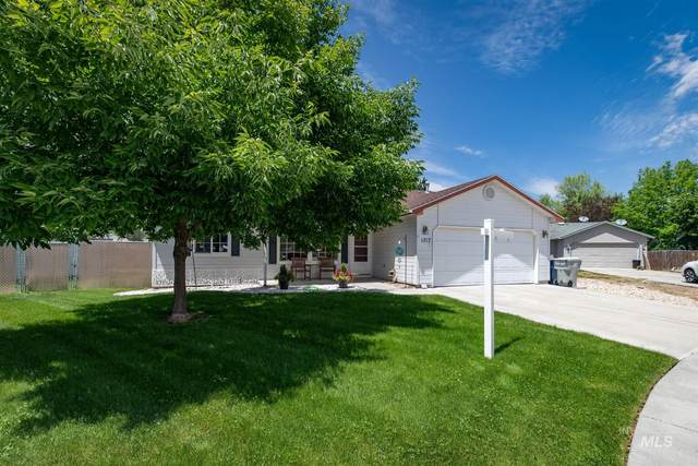 1717 Chicago St, Nampa, ID 83686 (MLS #98806247) :: Story Real Estate