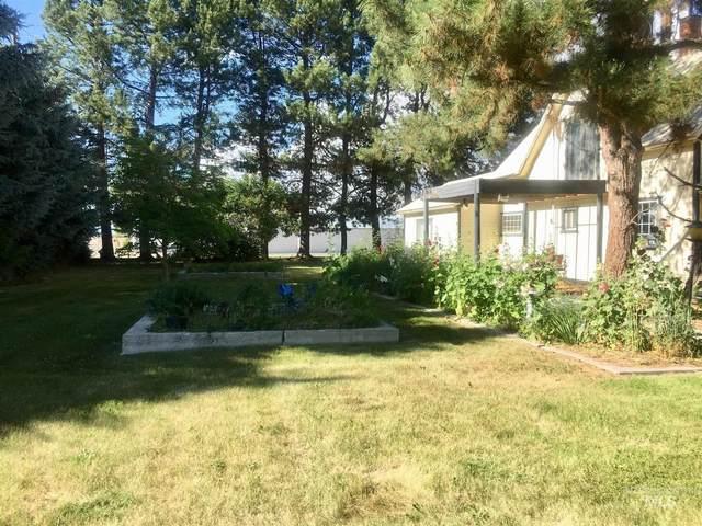 2320 N Whitley, Fruitland, ID 83619 (MLS #98806395) :: Minegar Gamble Premier Real Estate Services