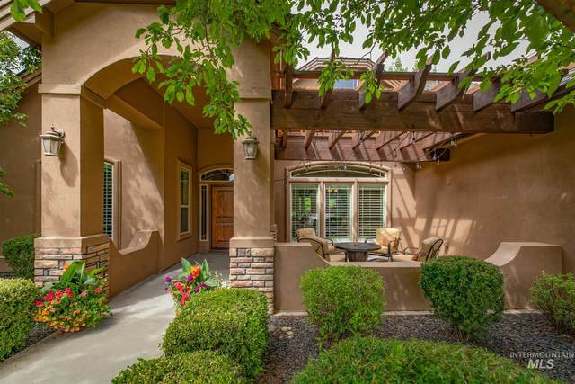 1739 S Lake Crest Way, Eagle, ID 83616 (MLS #98806403) :: Build Idaho