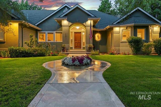 1674 N Snead Place, Eagle, ID 83616 (MLS #98806465) :: Story Real Estate