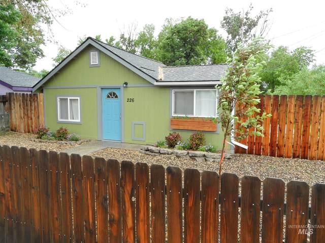 226 NE 2ND, Meridian, ID 83642 (MLS #98806499) :: Own Boise Real Estate