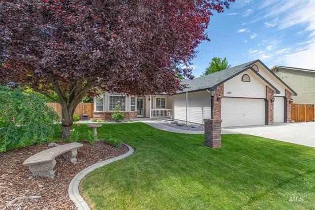 1237 N Iron Creek Pl, Meridian, ID 83642 (MLS #98806551) :: Story Real Estate