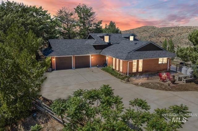 5735 N Willow Creek Rd, Eagle, ID 83616 (MLS #98806825) :: Haith Real Estate Team