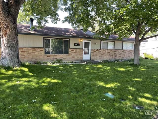 555 Phelps Circle, Mountain Home, ID 83647 (MLS #98806876) :: Minegar Gamble Premier Real Estate Services