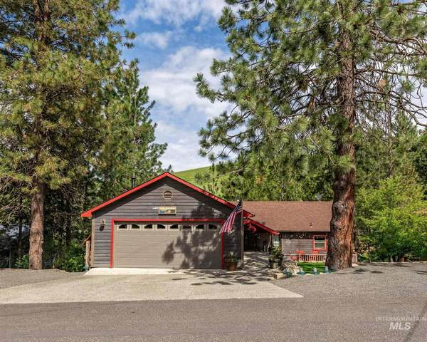 216 Monica St, Troy, ID 83871 (MLS #98806909) :: City of Trees Real Estate