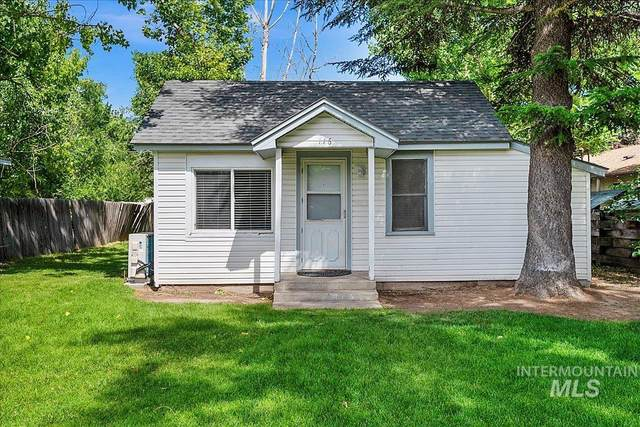116 S Maple Street, Nampa, ID 83686 (MLS #98807100) :: Team One Group Real Estate