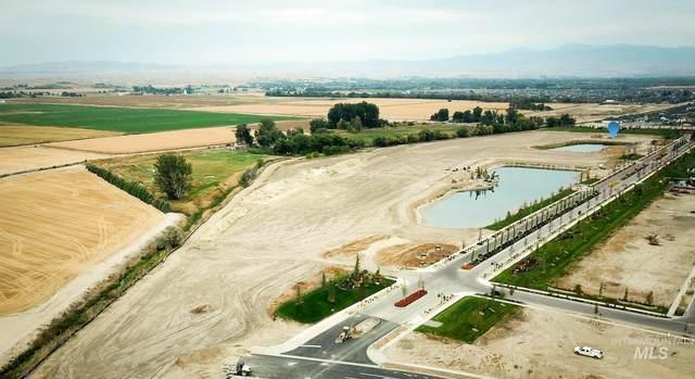 1550 N Palaestra Ave, Eagle, ID 83616 (MLS #98807163) :: Build Idaho