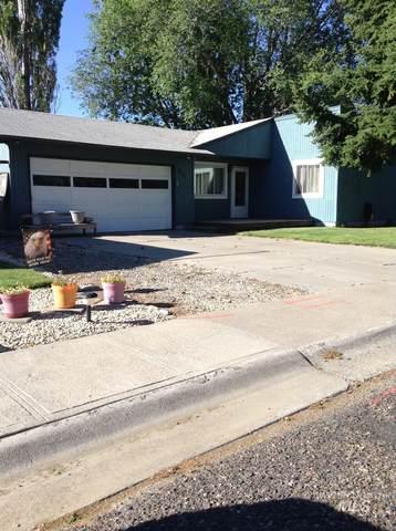 411 W 4th N, Mountain Home, ID 83647 (MLS #98807237) :: Beasley Realty