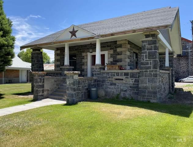 107 W A Street, Shoshone, ID 83352 (MLS #98807451) :: Jon Gosche Real Estate, LLC